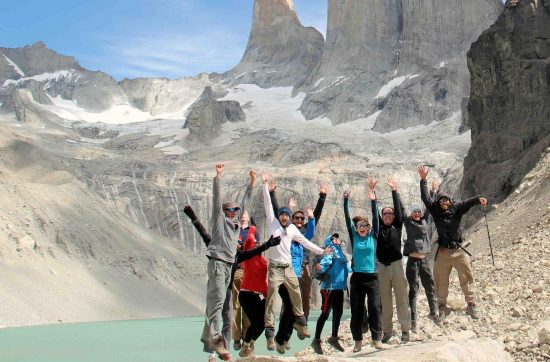 chile_torres-del-paine_trekking-group