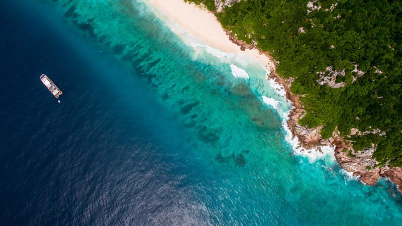 Intrepid Travel-Seychelles-adventure-cruise-Pegasus--birdseye-02
