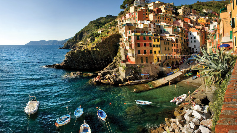 Intrepid Travel-italy_cinque-terre_riomaggiore_fishing-boats