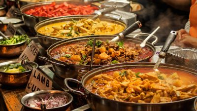 Intrepid Travel-india_food-market-curry