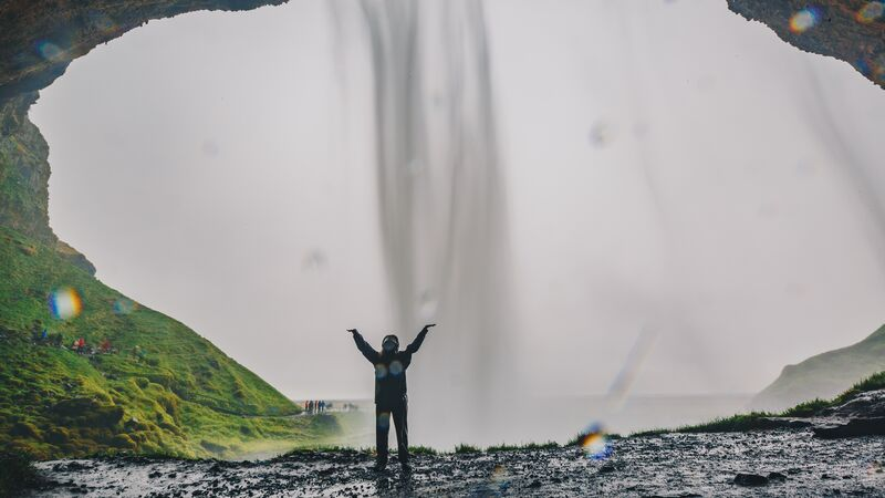 Intrepid Travel-Iseland_Seljalandsfoss Waterfall_Ryan Bolton7650